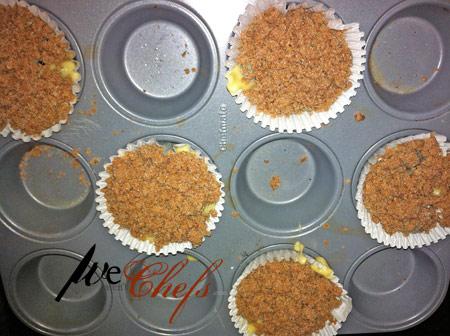Cinnamon Crumb Blueberry Muffins